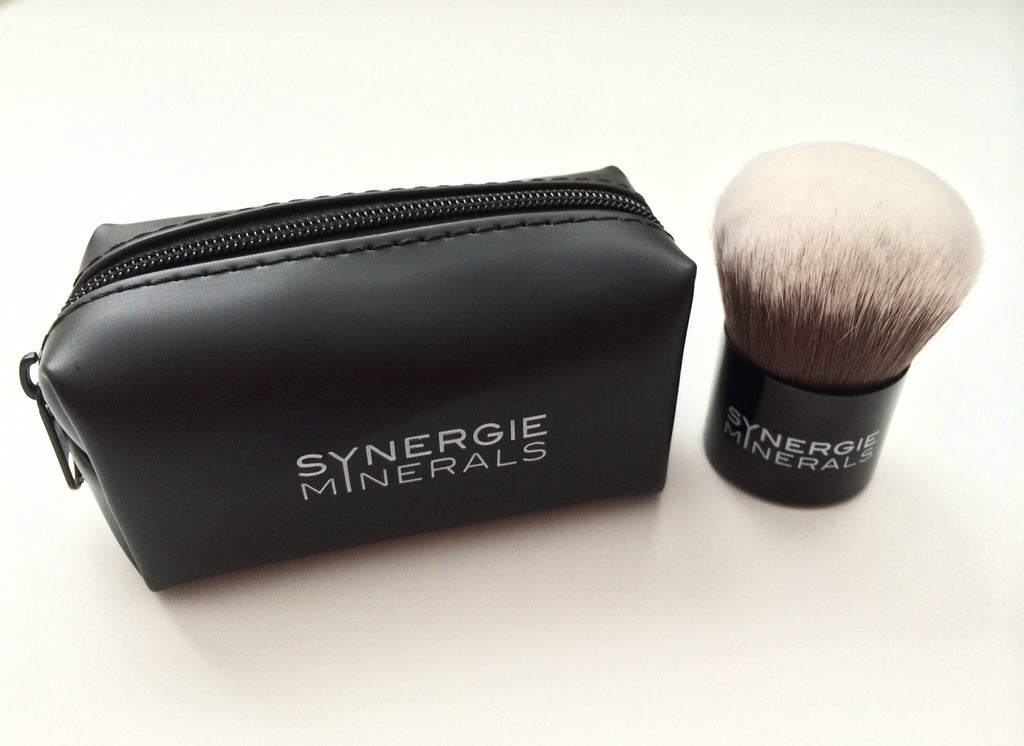 Synergie Minerals KABUKI BRUSH + Travel Pouch - A-PURE Skincare Boutique