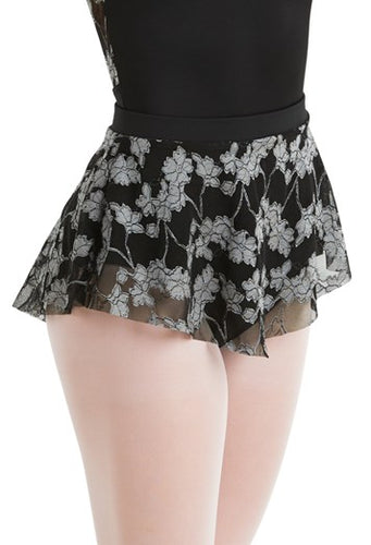 Dipp Hemmed Lace Skirt