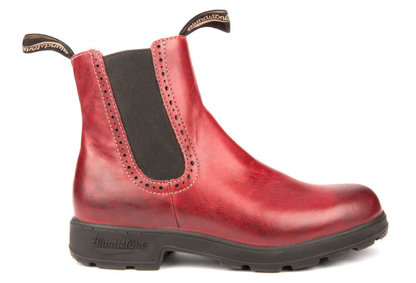 Blundstone #1443 - Girlfriend Boot (Burgundy Rub)