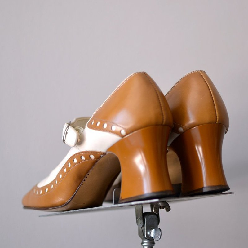 Chunky Heel Closed Toe Mary Jane Buckle Strap Shoes