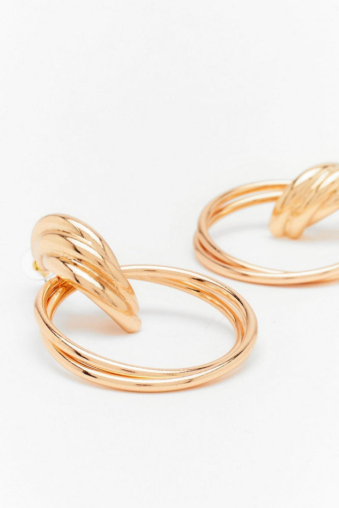 Elegant Gold Twist Earrings