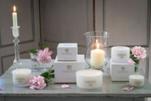 Load image into Gallery viewer, Rathbornes Dublin Tea Rose, Oud & Patchouli Candle