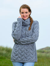 Load image into Gallery viewer, super soft chunky pullover cable soft grey