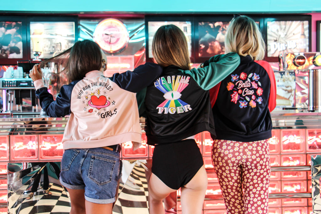 veste kaipih x les poulettes fitness, dos brodé, who run the world? girls, body positive, girl power, broderie française, casual outfit, borderie lyonnaise, création française, feel good brand , kaipih club