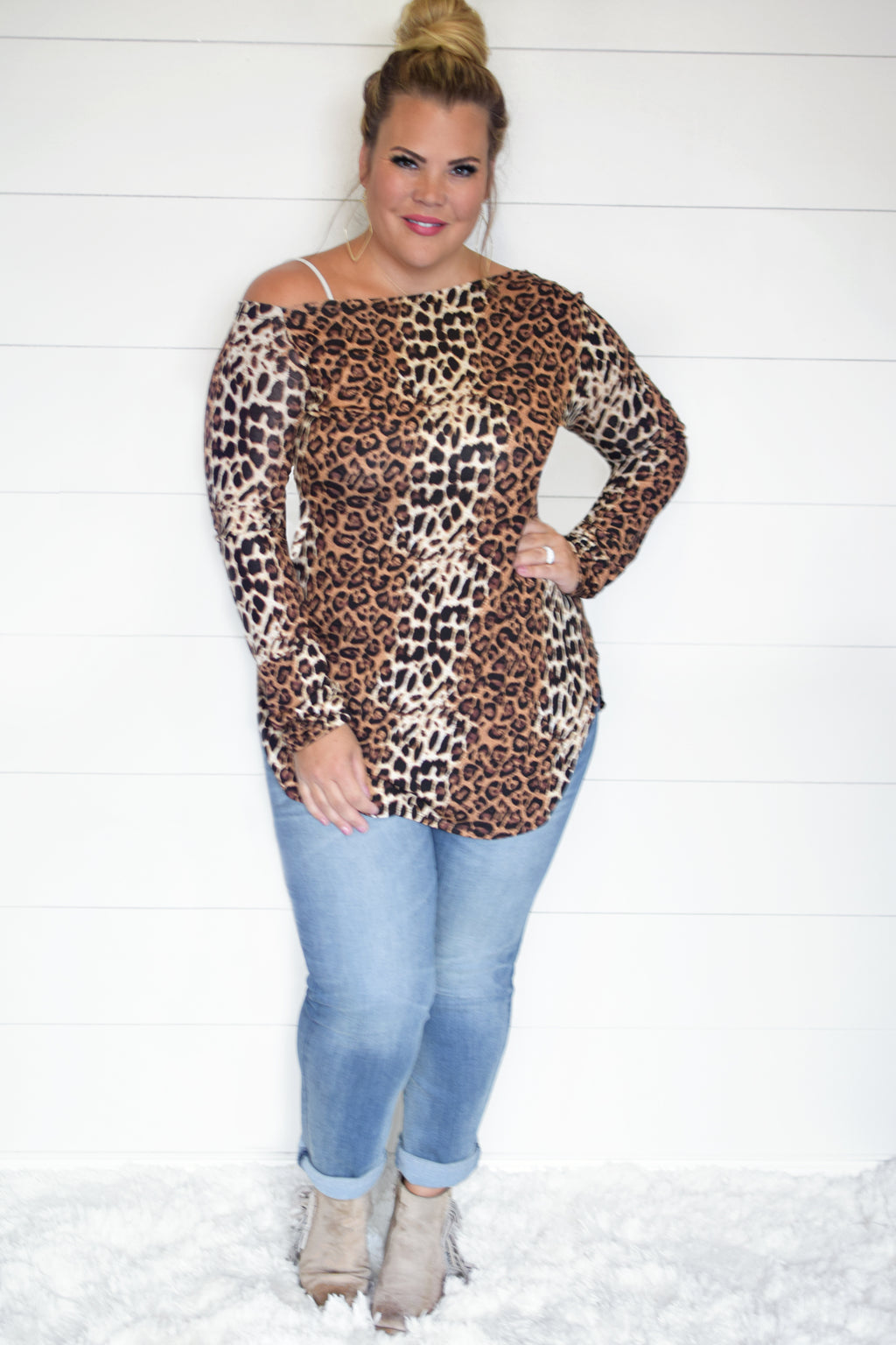 PLUS-OFF SHOULDER CHEETAH THUMBHOLE TOP