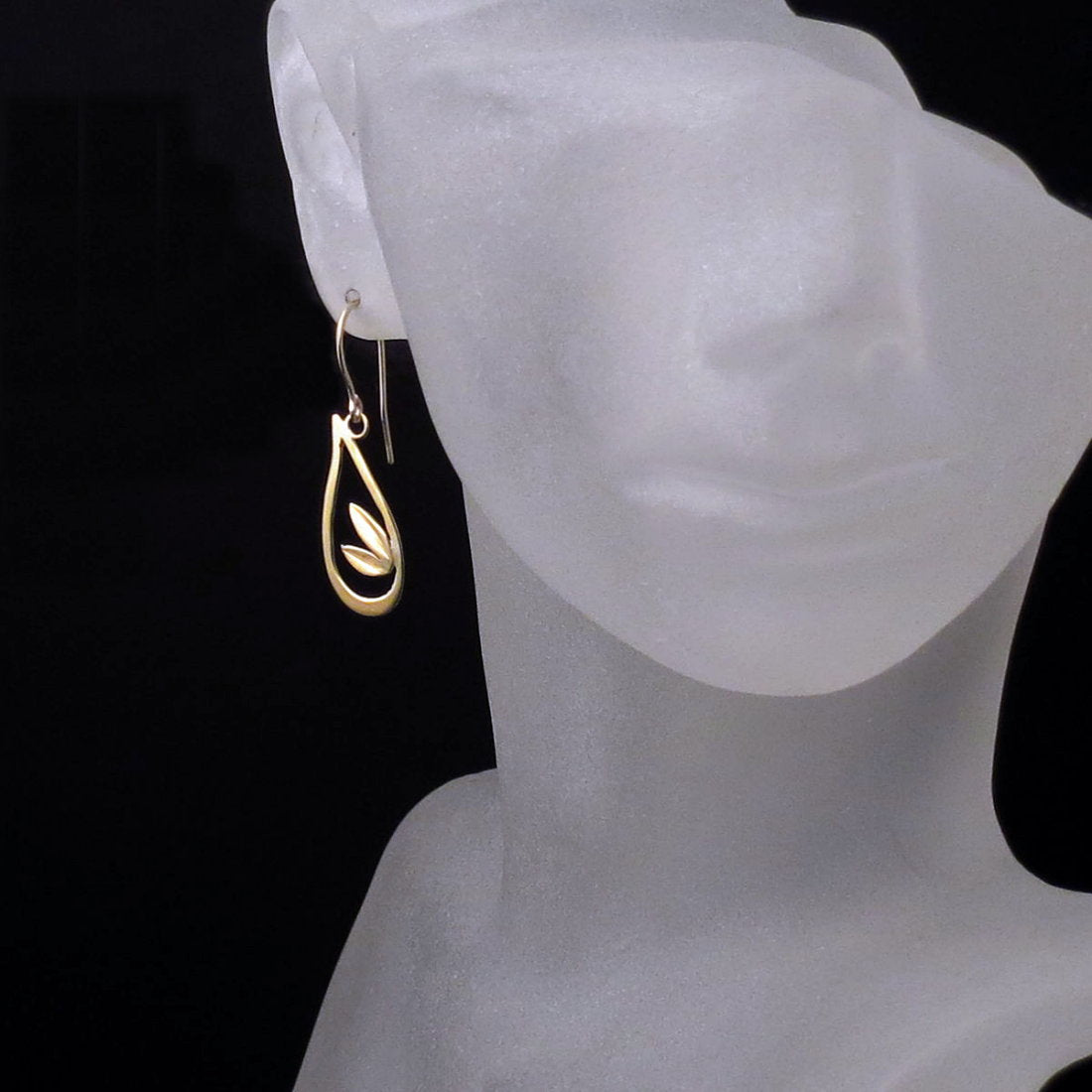 18K Gold Teardrop Leaf Earrings