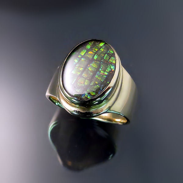 Ammolite Ring in yellow gold