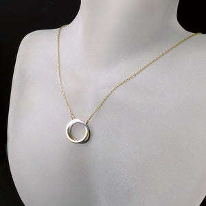 interlocked circle pendant necklace