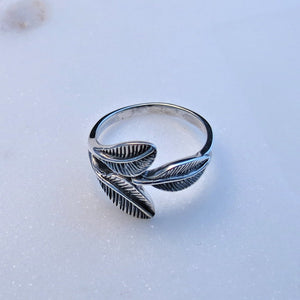 leaf ring nature inspired jewelry