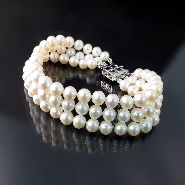 pearl bracelet jewelry with pearls