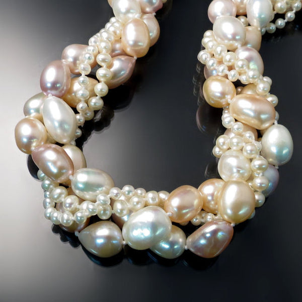 Luxurious Pearl Statement Necklace