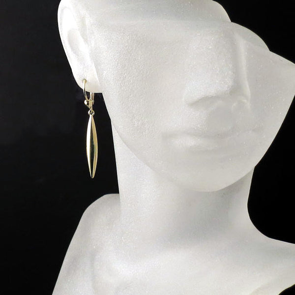 spear earrings yellow gold