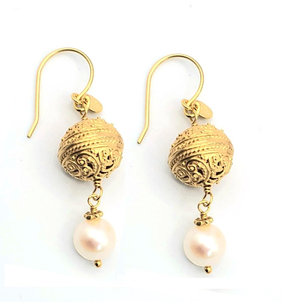 18k Gold Plated White Pearl Earrings (SV037)
