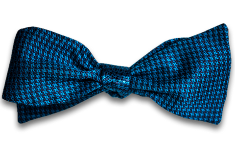 Cosimo - Teal and Navy Blue Silk Self Tie Bow Tie Woven in a Small Houndstooth Pattern