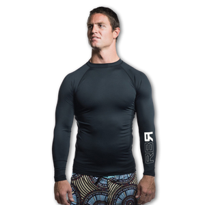 RBR 2Flex men's rash guard. UPF 50+ Wears cool, dries quick. Geared to perform and formulated for comfort at ridebackwards.com