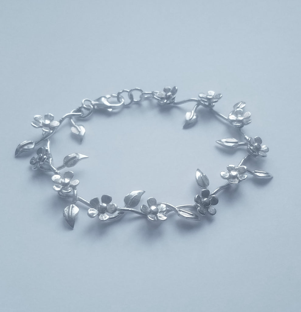 Garland Flower and Leaf Bracelet