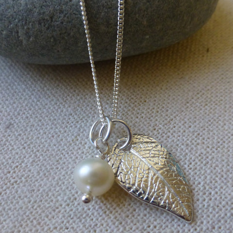 Leaf Charm Pendant with Pearl