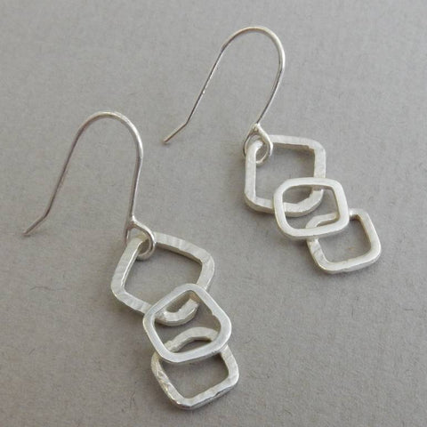 Links drop earrings