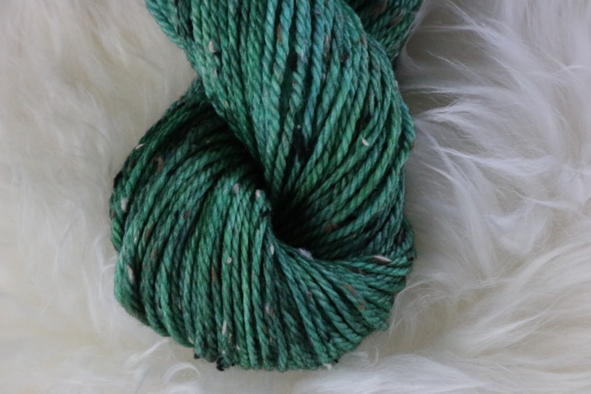 Olann Donegal Tweed Aran Holly Green