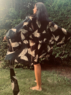 Sarmora Kimono Black and Gold Parlor Palm Print