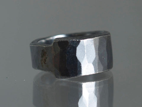 Facet, fingerring, sterling sølv med ruthenium