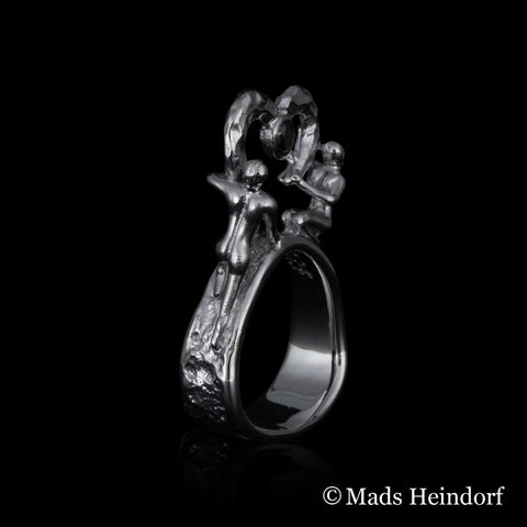 Hjerteblod, fingerring med sort diamant, sterling sølv