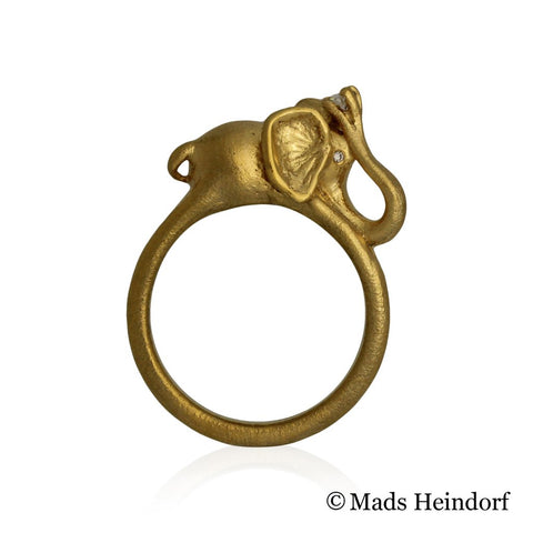 Elefanten, fingerring, 10 mm, 18K guld med 3 klare diamanter