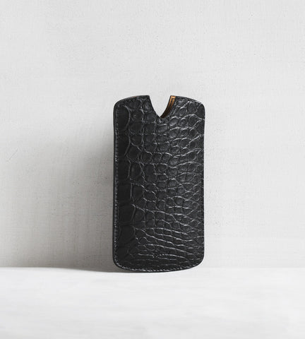 iPhone cover in alligator - black