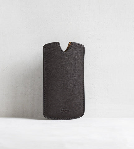 iPhone cover in bull calf - dark brown