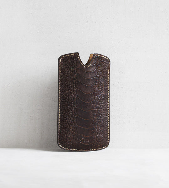 iPhone cover in ostrich - dark brown