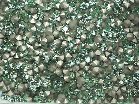 Chrysolite, Preciosa Genuine Czech MAXIMA Pointed Back Chatons in size ss23 (5.2mm, 0.2inch), 72 pieces, Silver Foiled, P605