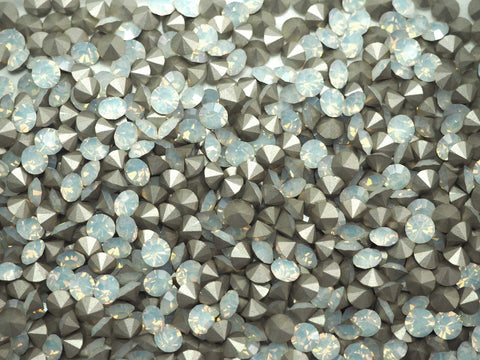 White Opal, Preciosa Genuine Czech MAXIMA Pointed Back Chatons in size ss20 (5mm), 72 pieces, Silver Foiled, P628