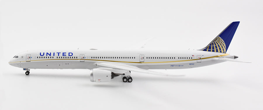 1:400 NG UNITED B787-10 N17002 MERGER LIVERY