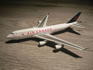 1:400 DRAGON AIR CANADA  B747-433 C-FGHZ