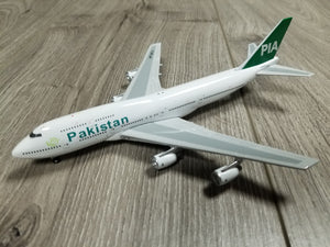1:400 SOVEREIGN MODELS PAKISTAN B747-300 AP-BFV