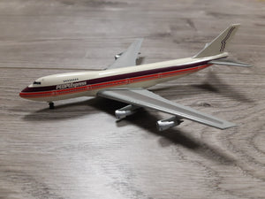 1:400 DRAGON PEOPLE EXPRESS B747-200 N605PE