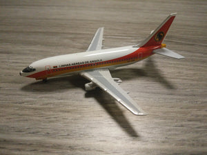 1:400 SEATTLE ANGOLA B737-200 D2-TBX