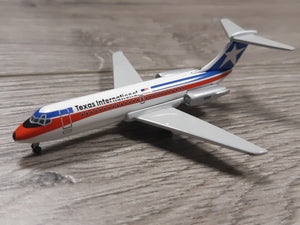 1:400 AEROCLASSICS TEXAS INTERNATIONAL DC-9 N1302T