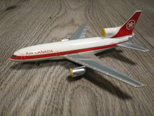 Load image into Gallery viewer, 1:400 BLUE BOX AIR CANADA L1011 C-GAGF
