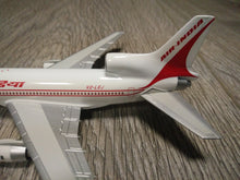 Load image into Gallery viewer, 1:400 HERPA AIR INDIA L-1011 V2-LEJ