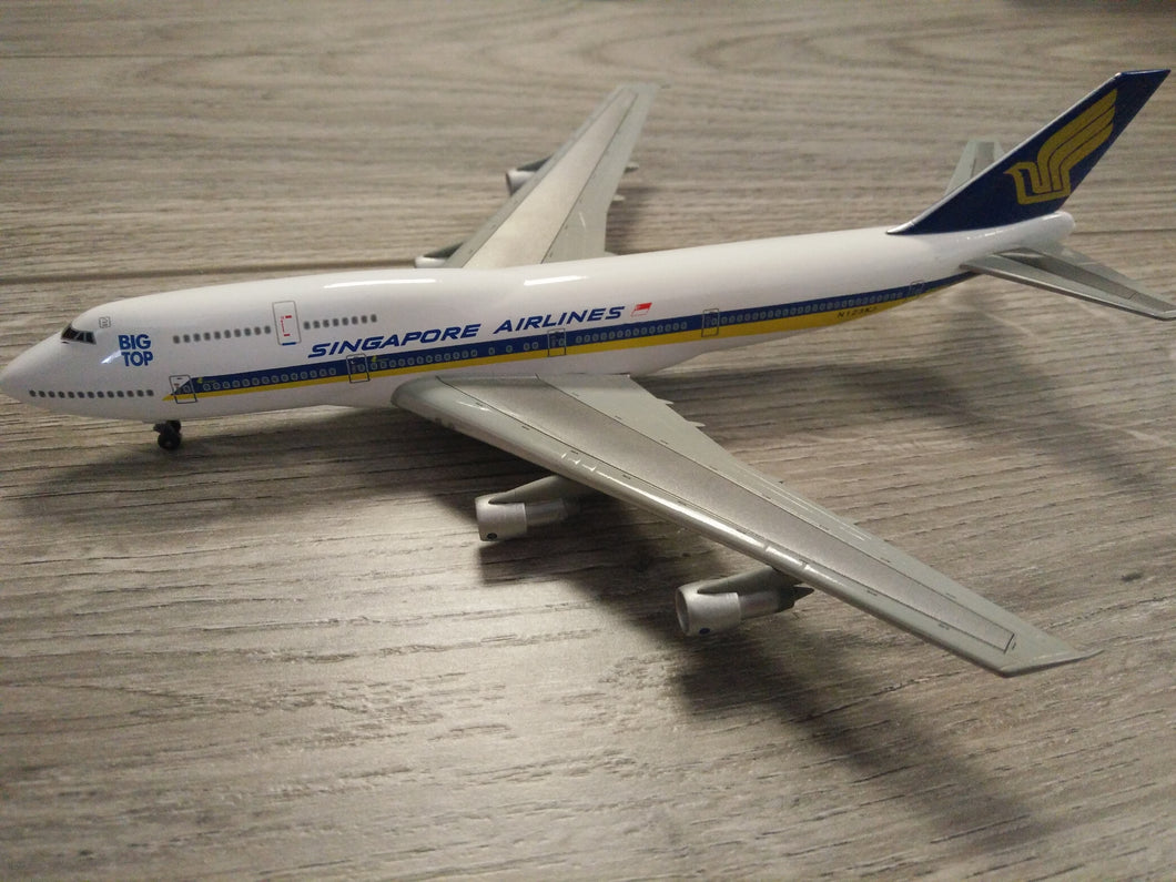 1:400 DRAGON SINGAPORE AIRLINES B747-312 N123KJ