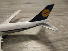 Load image into Gallery viewer, 1:400 DRAGON LUFTHANSA CARGO B747-230F D-ABYU