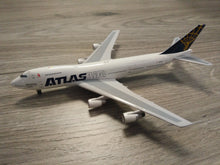 Load image into Gallery viewer, 1:400 BIGBIRD ATLAS 'DRAGONAIR CARGO' B747-200F