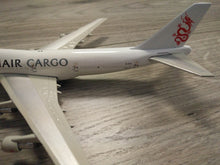 Load image into Gallery viewer, 1:400 PHOENIX DRAGONAIR CARGO B747 B-KAA