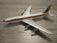 "Load image into Gallery viewer, 1:400 AEROCLASSICS CONTINENTAL B707-320 N67333 ""MEATBALL"""