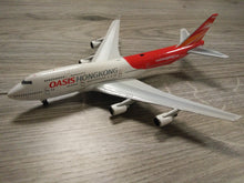 Load image into Gallery viewer, 1:400 PHOENIX OASIS HONG KONG B747-412 B-LFA