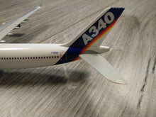 Load image into Gallery viewer, 1:400 DRAGON AIRBUS HOUSE LIVERY A340-300 TESTBED F-WWAI