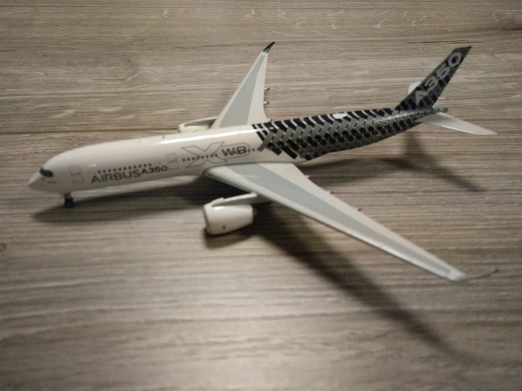 1:400 PHOENIX AIRBUS A350-900 F-WWCF HOUSE LIVERY CARBON FIBRE