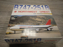 Load image into Gallery viewer, 1:400 DRAGON NORTHWEST ORIENT CARGO B747-251B N624US