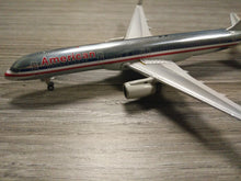 Load image into Gallery viewer, 1:400 GEMINI AMERICAN B757-200 N601AN